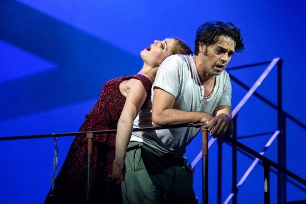 Carmen (Wallis Giunta/Leonardo Caimi). Foto: Tom Schulze