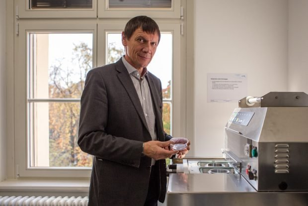 Prof. Eugen Herzau. Foto: Robert Weinhold/HTWK
