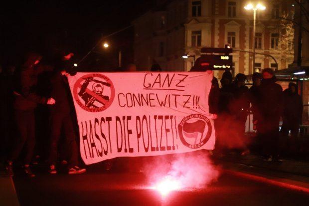 Nachdem am 15. Januar das Black Triangle durchsucht und polizeilich gesichert wurde, folgte am 16.01.2019 die Protestdemo dazu ab Wiedebachplatz. Foto: Marco Arenas