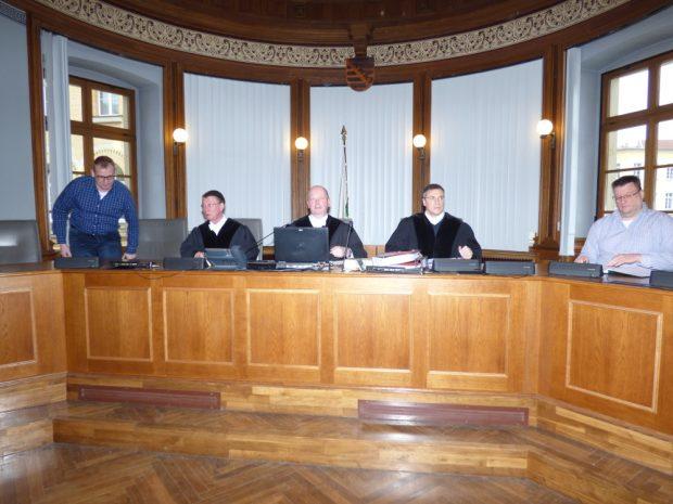 Die 11. Strafkammer unter Vorsitz von Volker Nickel (M.) entscheidet im Revisionsprozess. Foto: Lucas Böhme