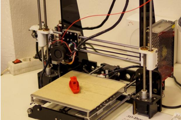 Der 3D Drucker im linXXnet. Quelle: Die Linke Leipzig