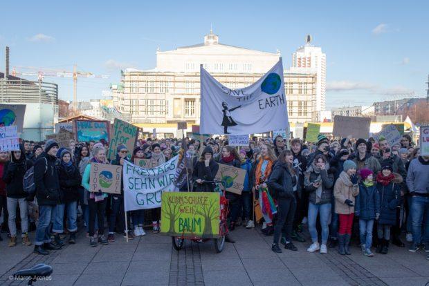 Die Zwischenkundgebung auf dem Augustusplatz. Foto: Marco Arenas