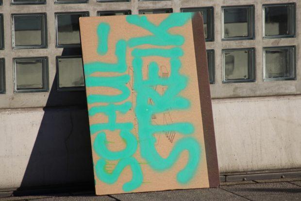 Am Ende der Demo hatten 800 teilgenommen. Im Vorfeld gab es Warnungen, dass Streikende gegen die Schulpflicht verstoßen. Foto: L-IZ.de