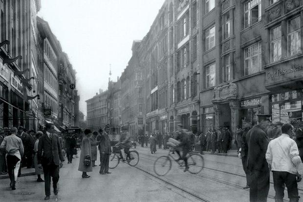 Brühl in Richtung Goethestraße, um 1920, Foto: Hermann Walter