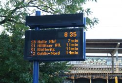Fahrgastinformation an der Straßenbahnhaltestelle S-Bahnhof Gohlis. Foto: Ralf Julke