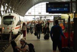Der Zug nach Dresden ist eingefahren ... Foto: Ralf Julke