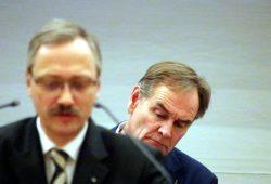 Tobias Keller (AfD) und ein skeptischer OB Jung dahinter. Foto: L-IZ.de