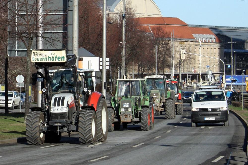 Protest gegen Landgrabbing auf dem Georgiring. Foto: Ralf Julke