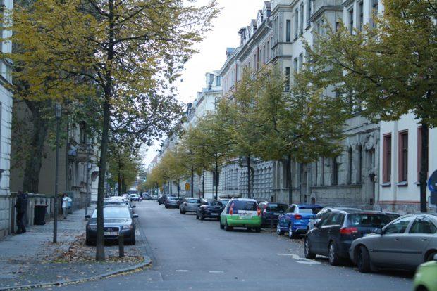 Parken im Waldstraßenviertel. Foto: Ralf Julke