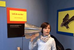 """""""Besser hören mit Trichterohren in der Ausstellung. Quelle: UNIKATUM Kindermuseum"""