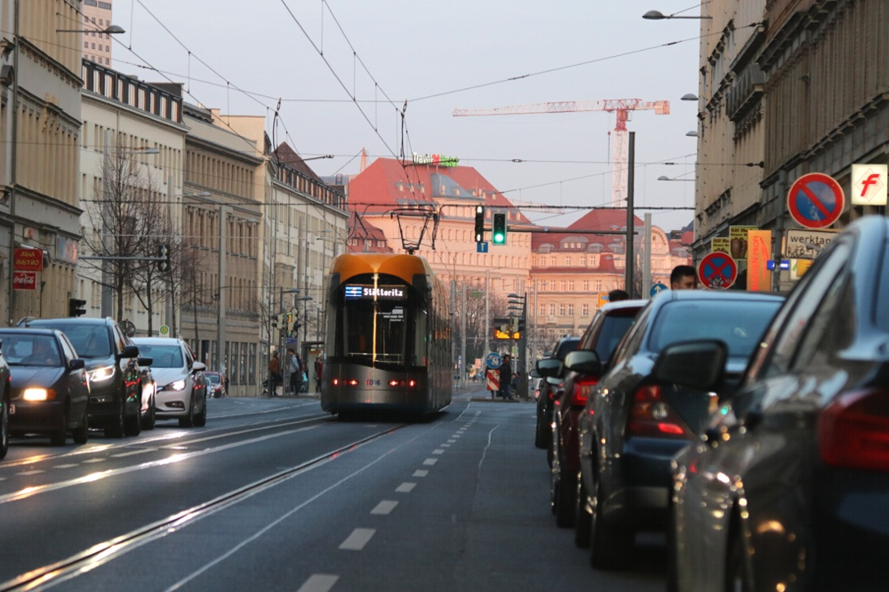 Sehr lautes Pflaster: die Jahnallee. Foto: L-IZ.de