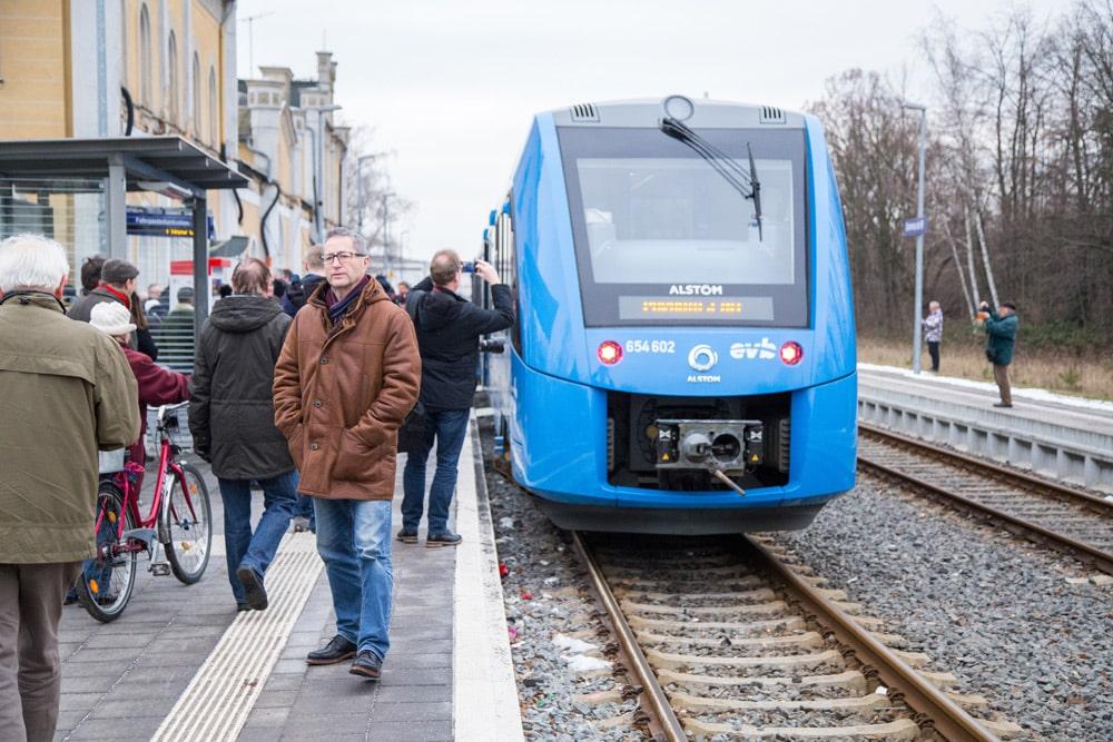 Der Alstom-Zug im Bahnhof Grimma. Foto: Frank Schütze