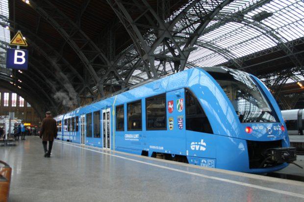 Der Alstom-Zug am Bahnsteig 22 des Hauptbahnhofs Leipzig. Foto: Ralf Julke