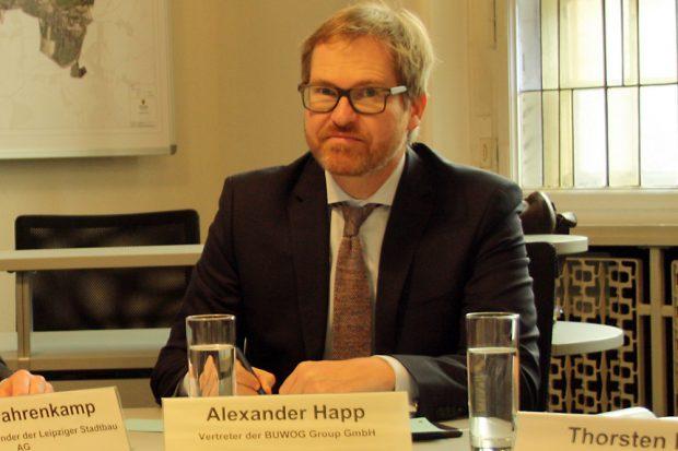 Alexander Happ, Vertreter der BUWOG Group GmbH, am 11. Februar zur Pressekonferenz. Foto: Ralf Julke