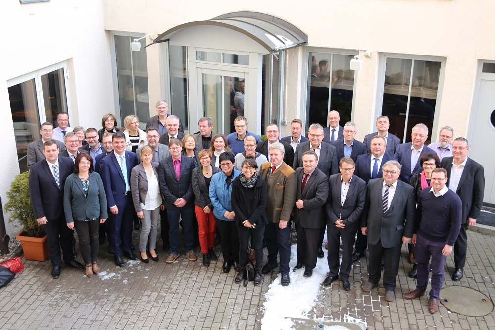 Kommunale Familie - BürgermeisterInnen und Landkreisverwaltung Foto: Landratsamt Landkreis Leipzig