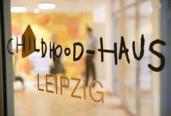 Am Universitätsklinikum Leipzig befindet sich das erste Childhood-Haus Deutschlands. Das Kinderschutz-Modellprojekt ist eine zentrale Anlaufstelle zur Betreuung von Kindern und Jugendlichen, die Opfer von Gewalt, Missbrauch oder Vernachlässigung wurden. Foto: Stefan Straube / UKL