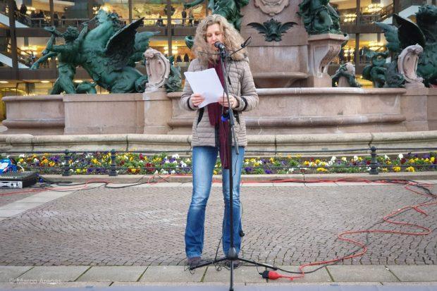 """Anna Kaleri vom Lauter leise e.V. ist eine der Mitorganisatorin der Buchmessereihe """"Leipzig liest weltoffen"""" in Halle 2, Stand A304. Foto: Marco Arenas"""