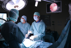 Endoskopische Bandscheiben OP. © Klinikum St. Georg