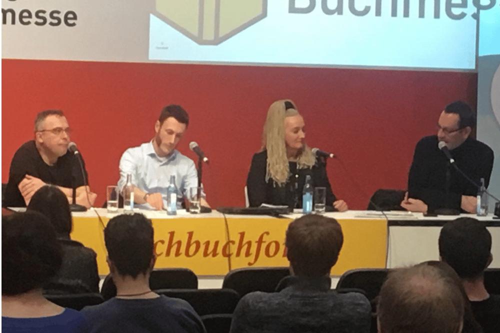 """Sachbuchforum mit R.Dobschütz, I.Rudolph-Kokot, H. Lewkowitz, J.-U.Jopp. Quelle: Bündnis """"Leipzig liest weltoffen"""""""