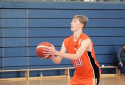 Konzentriert an der Freiwurflinie: Tim Schmidt war effektivster Spieler seiner Mannschaft in Rendsburg. Foto: Birger Zentner