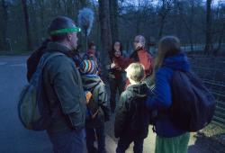Vogelstimmenexkursion im Dunkeln. Quelle: erleb-bar