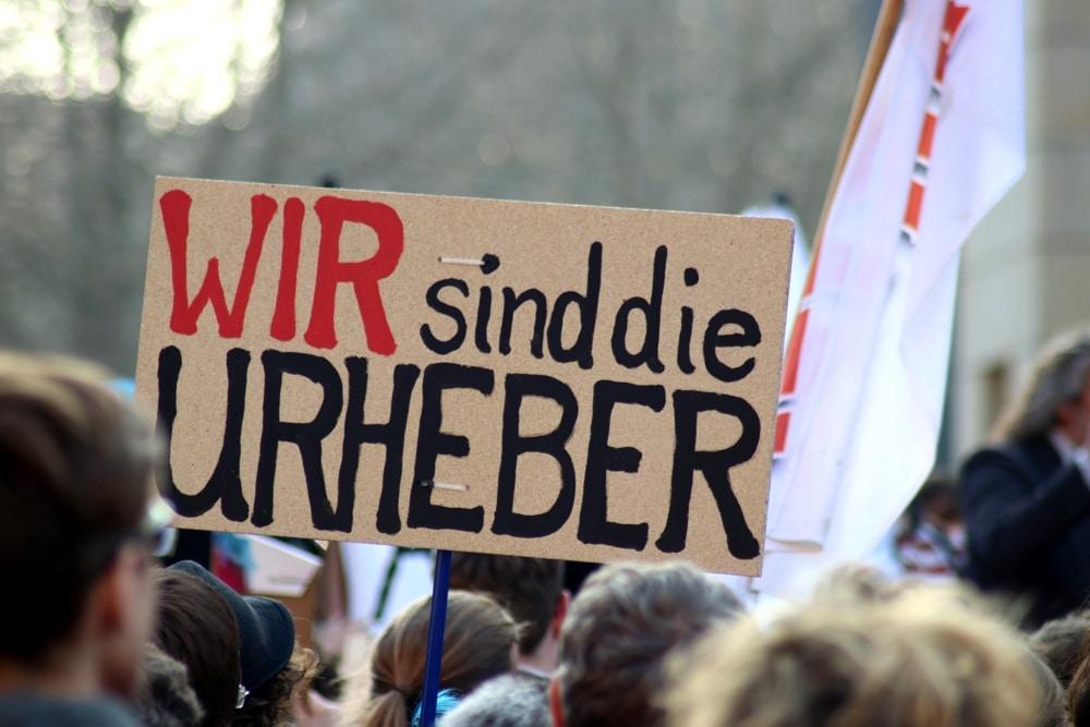 Wer sind die Urheber? Musiker, Journalisten und Schöpfer von Kompositionen verlangen einen gerechten Anteil von den Plattformen. Foto: L-IZ.de