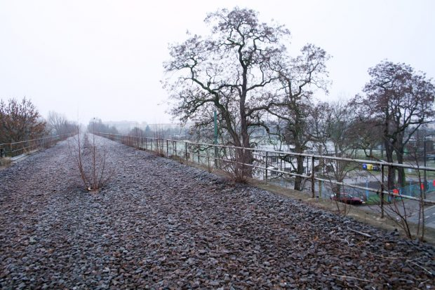 Auf dem Sellerhäuser Bahnbogen. Foto: Ralf Julke