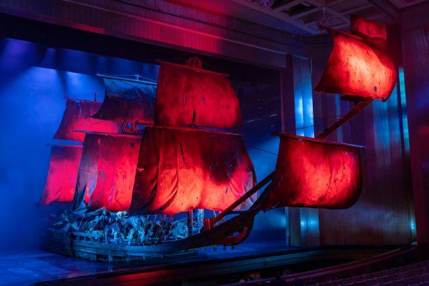 Das Schiff des fliegenden Holländers. Foto: Oper Leipzig,Tom Schulze