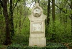 Louise-Otto-Peters-Denkmal im Rosental. Foto: Ralf Julke