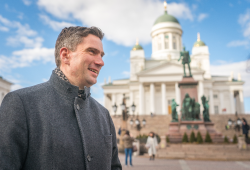 Martin Dulig unterwegs in Espoo © SMWA/Ronald Bonß