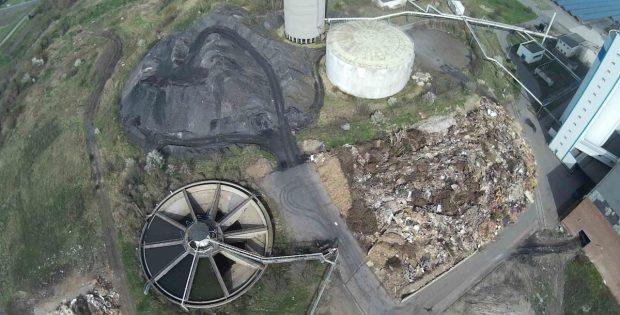 Bei der Draufsicht wird das Ausmaß der Ablagerungen und Rester deutlich. Foto: Bürgerverein Sauberes Delitzscher Land