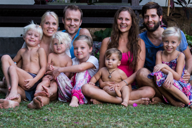 Beide Familien zusammen. © Life with Sandy & Benni und Sechs Paar Schuhe