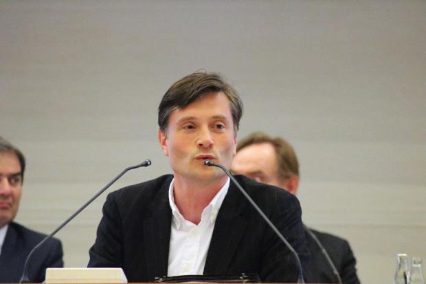 Die Lippen gespitzt - nur pfeifen will er nicht. Ordnungsbürgermeister Heiko Rosenthal sichtlich unter Handlungsdruck. Foto: Michael Freitag