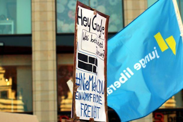 Freiheit oder längst Unfreiheit im Netz? Youtube weigert sich bislang, pauschale Lizenzen zu zahlen. Foto: L-IZ.de
