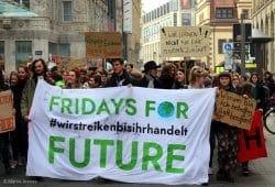 Fridays for Future war auch am 5. April 2019 wieder in Leipzig auf der Straße. Nun legen sie konkretere Forderungen vor. Foto: Marco Arenas