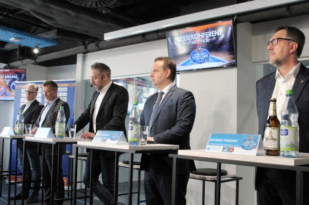 Im Podium der Pressekonferenz; Sönke Möhr, Andreas Schüppel, Stefan Schedler, Martin Geissler, Silvano Poropat (v.l.). Foto: Birger Zentner