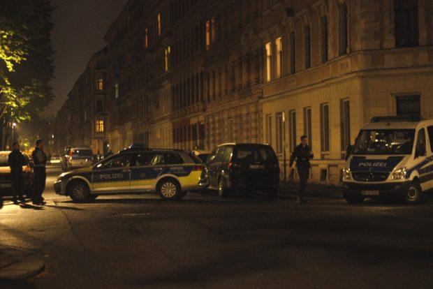 Irritierende Bilder in der Nacht in der Mariannenstraße. Foto: Privat