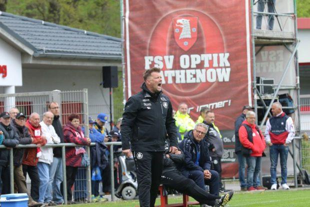 Björn Joppe war sichtlich unzufrieden mit der Leistung seiner Mannschaft in Rathenow. Foto: Thomas Gorlt.