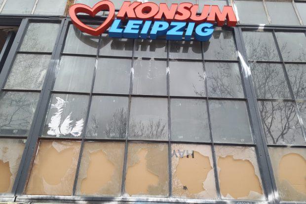 Der Konsum im Westwerk nach dem Angriff am 11. April 2019. Foto: Marko Hofmann