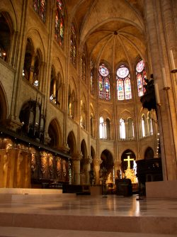Notre Dame Altar Juli 2005. Foto: Kurt Muehmel, Wikipedia