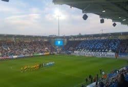 Der stimmungsvolle Beginn eines denkwürdigen Fußballabends. Foto: Marko Hofmann