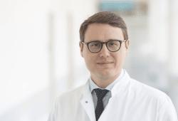 Prof. Dr. Timm Denecke leitet die Klinik und Poliklinik für Diagnostische und Interventionelle Radiologie am Universitätsklinikum Leipzig. Foto: Stefan Straube/UKL