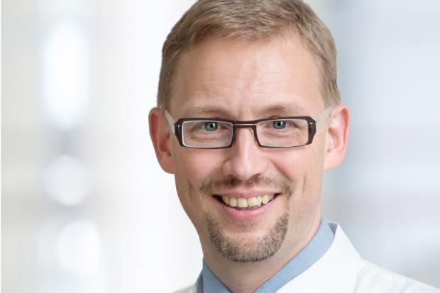 Prof. Michael Fuchs. Leiter des Cochlea-Implantat-Zentrums und der Sektion Phoniatrie und Audiologie am Universitätsklinikum Leipzig. Foto: Stefan Straube/UKL