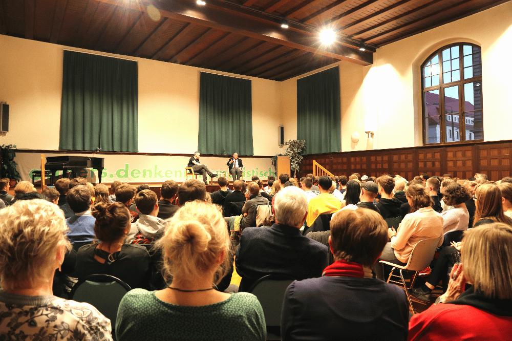 Schillerakademie mit Jens-Uwe Jopp und Gregor Gysi. Foto: Michael Freitag