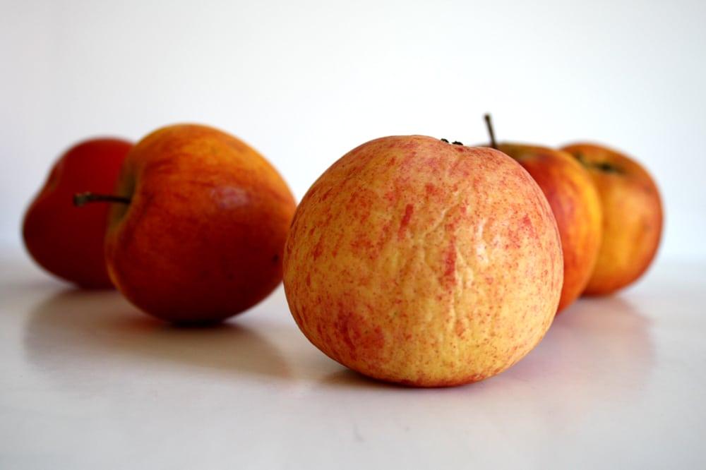 Ein paar Äpfel aus der Region, noch ohne Siegel. Foto: Ralf Julke