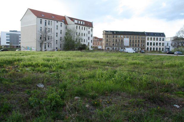 Auch in der Rosa-Luxemburg-Straße bietet das BImA unbebaute Flächen zum Verkauf an. Foto: Ralf Julke