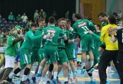 Wer zuletzt lacht... DHfK-Handballer siegen nach spannender Schlussphase. Foto: Jan Kaefer
