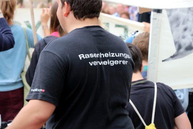 Nie ganz bierernst aber hartnäckig bei Fridays for Future ... Foto: L-IZ.de
