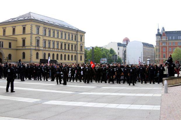 Der Gegenprotest in Leipzig rückte zur Halbzeit etwa 20 Meter näher heran. Foto: L-IZ.de