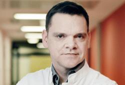 """Prof. Holger Stepan, Direktor der Abteilung Geburtsmedizin am UKL, sorgt sich um den Erhalt der Hebammenausbildung in Leipzig. Ein Wegfall hätte """"dramatische Folgen"""". Foto: Stefan Straube / UKL"""